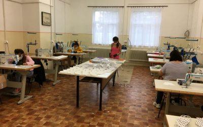Maszkokat varr a Nyíregyházi Szakképzési Centrum
